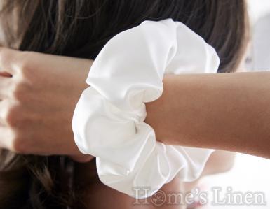 """Ластик за коса 100% естествена коприна стил """"Scrunchie"""", перла широк размер EM&EVE"""