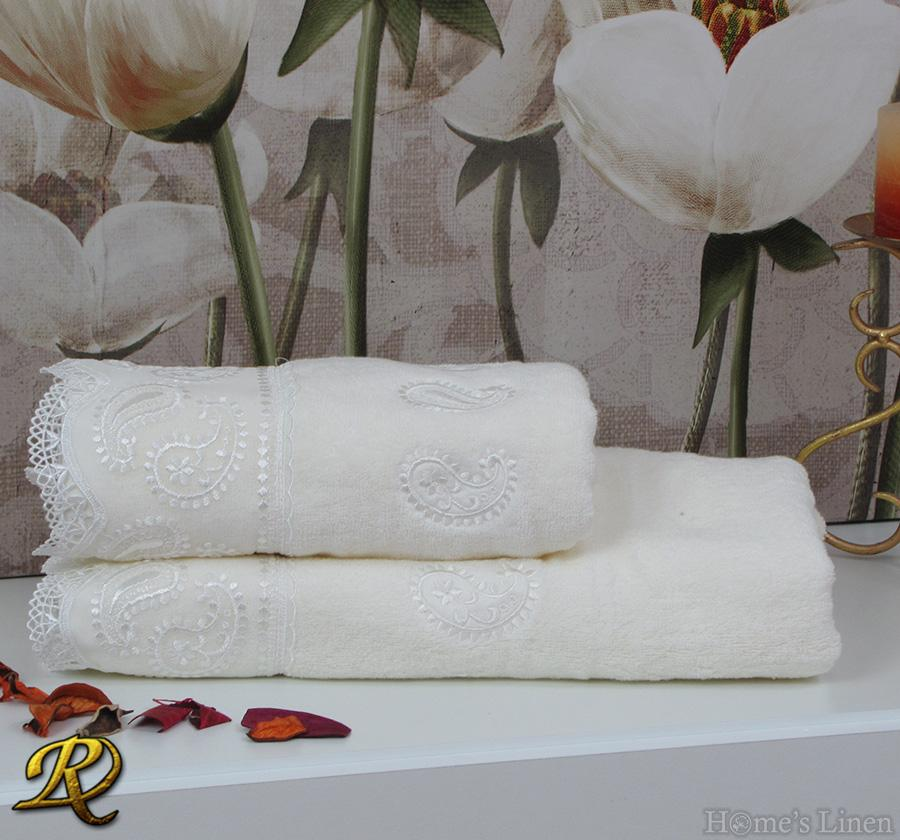 Комплект 2бр. хавлиени кърпи с дантела крем