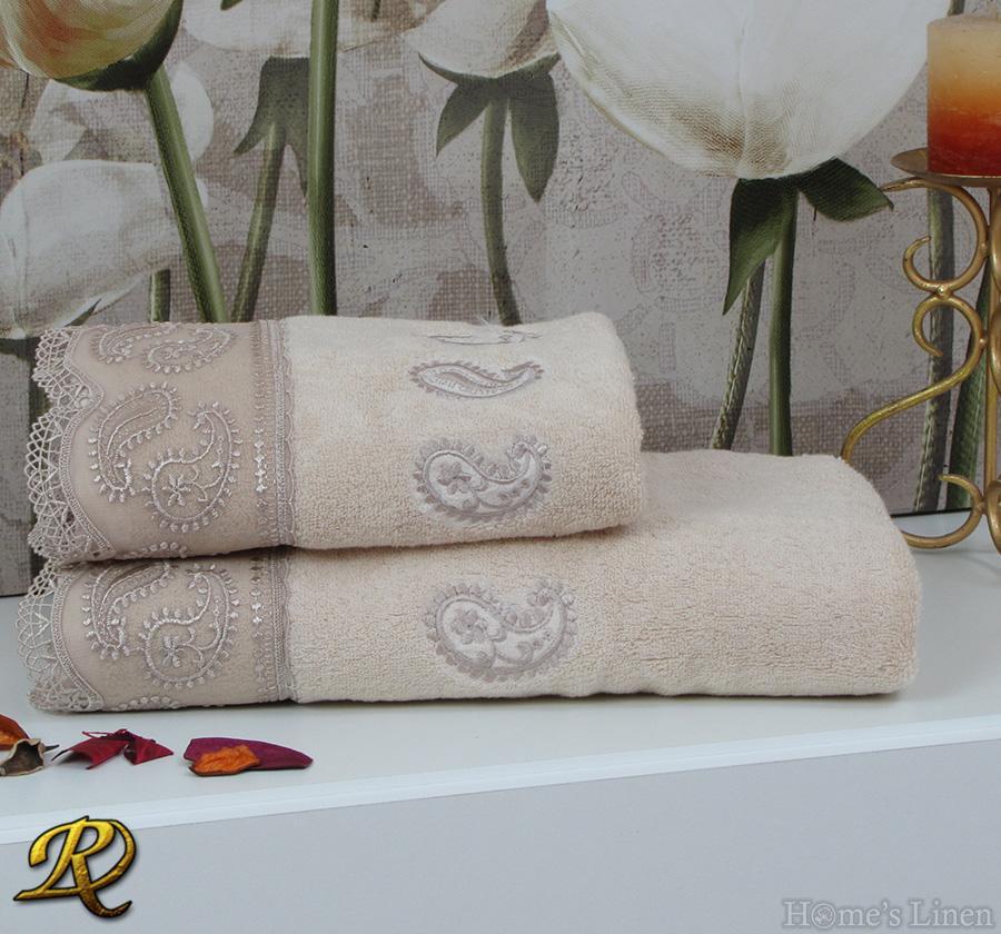 Комплект 2бр. хавлиени кърпи с дантела бежово